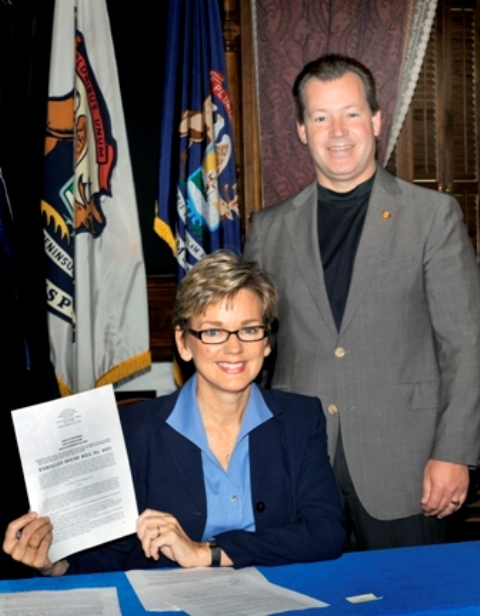 A1 A Granholm Richardville Bill Signing 1